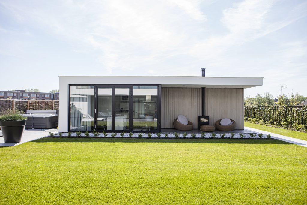 Aluminium-nieuwe-kozijnen-in-veere-vloerisolatie-in-zeeland-Kozijnen-Schuifpuien-Onze-Producten-werk-Versluis-&-Willeboer-Zeeland-Serooskerke